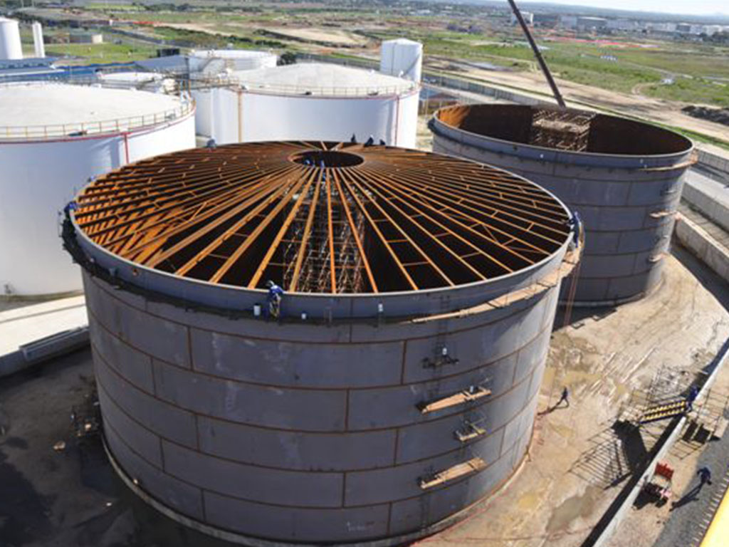 Dome roof tank